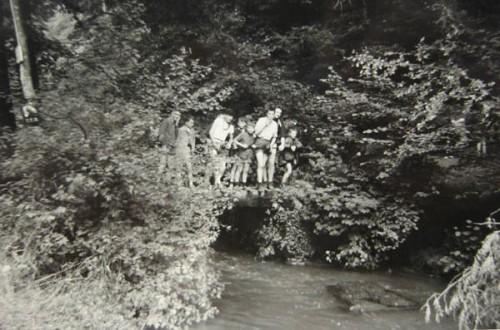 Holl Gendron ruisseau pont.jpg